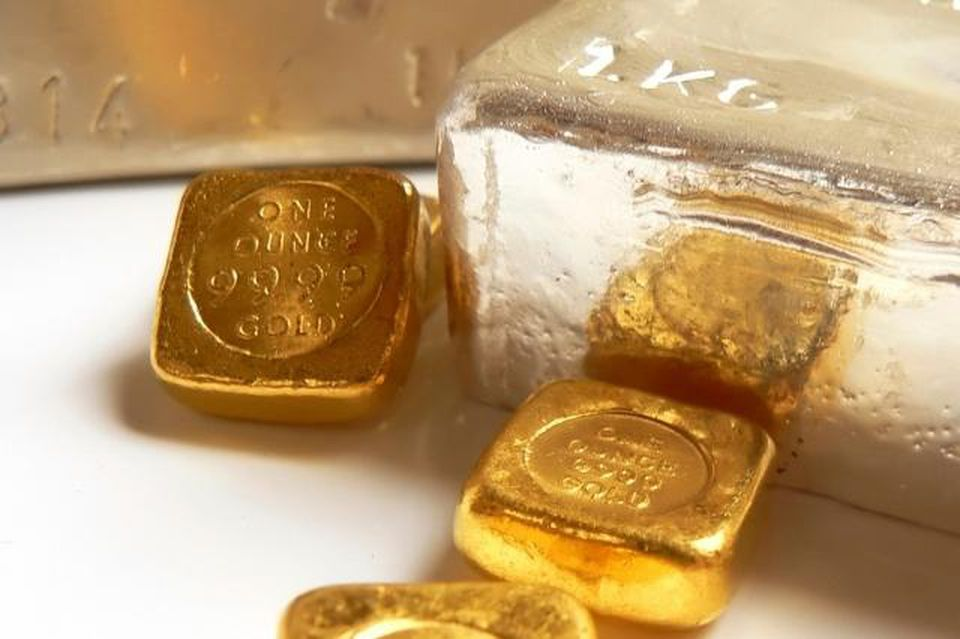 Giá vàng hôm nay 9/1: Giá vàng trượt xuống dốc giảm 600.000 đồng/lượng - Ảnh 1.