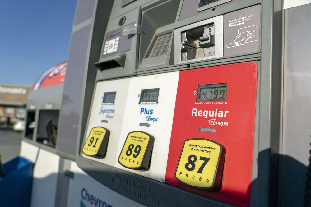 Bloomberg: Con số quan trọng nhất trong tuần qua là 80 USD/thùng dầu thô - Ảnh 3.
