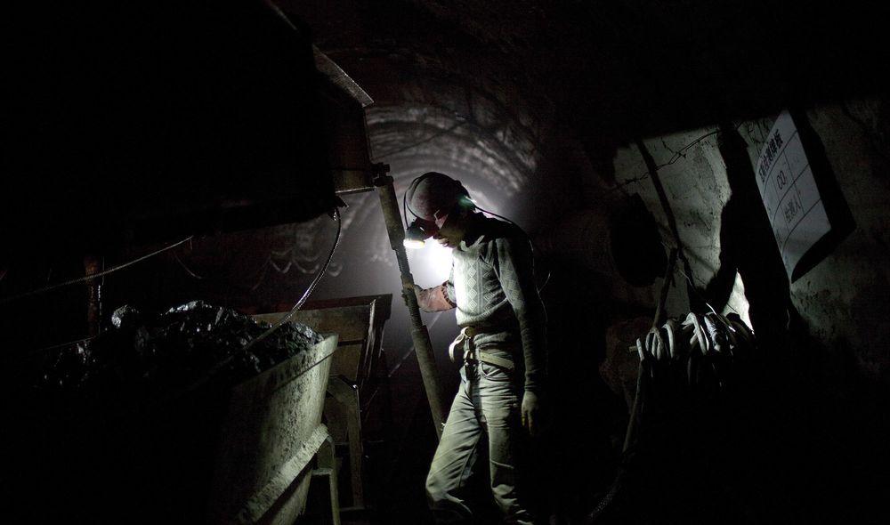 Khủng hoảng điện của Trung Quốc sẽ ảnh hưởng đến các ngành công nghiệp toàn thế giới - Ảnh 1.
