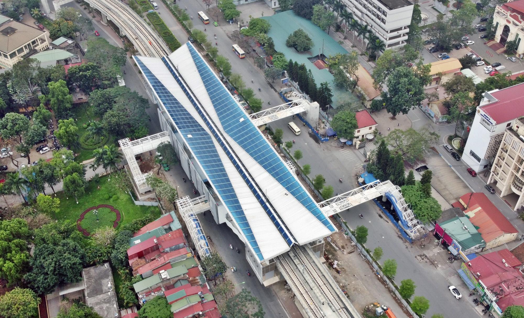Metro Hà Nội: Thúc tiến độ triển khai ba tuyến số 2, 3 và 5 - Ảnh 1.
