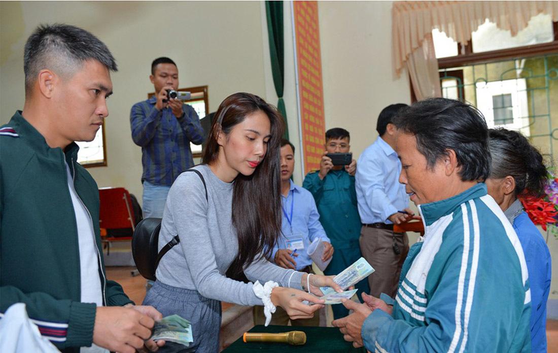 Huyện Thanh Chương báo cáo tiền Thủy Tiên làm từ thiện ít hơn xác nhận năm 2020 - Ảnh 1.