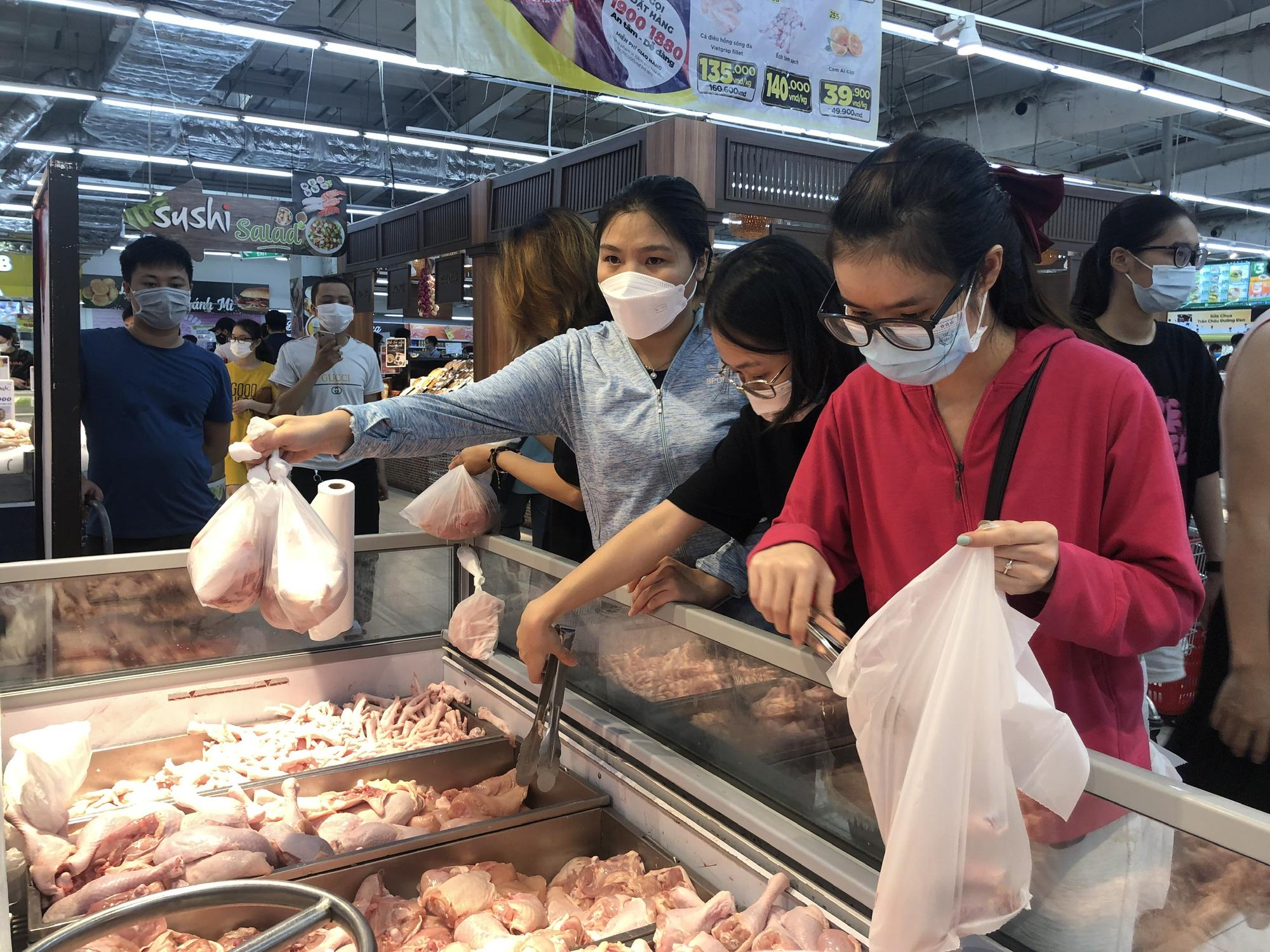 Quy mô đàn heo của Việt Nam lớn thứ 6 thế giới, tại sao nhập khẩu thịt heo vẫn tăng 400%? - Ảnh 1.