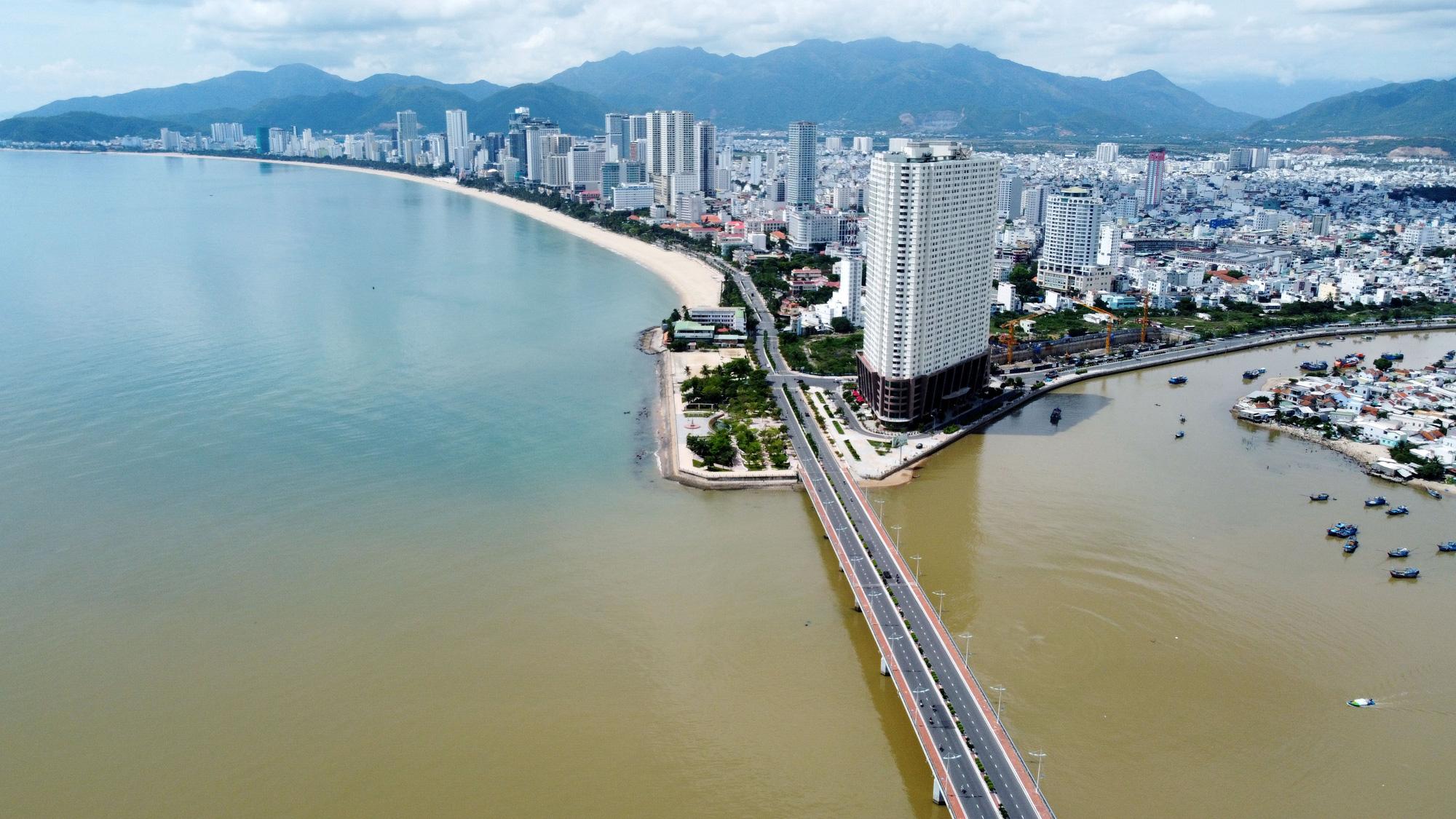 Sau thời condotel bùng nổ, Khánh Hòa trở lại với phân khúc căn hộ cao cấp - Ảnh 1.