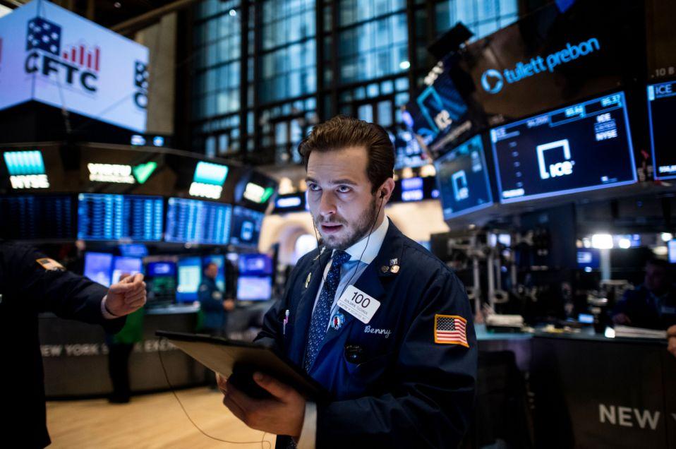 Dow Jones bật tăng lên đỉnh mới giữa mùa kết quả kinh doanh - Ảnh 1.