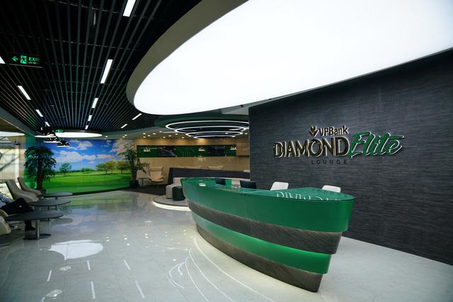 phong-cho-vpbank-diamond-elite-tai-san-bay--15305796970651492142249.jpg