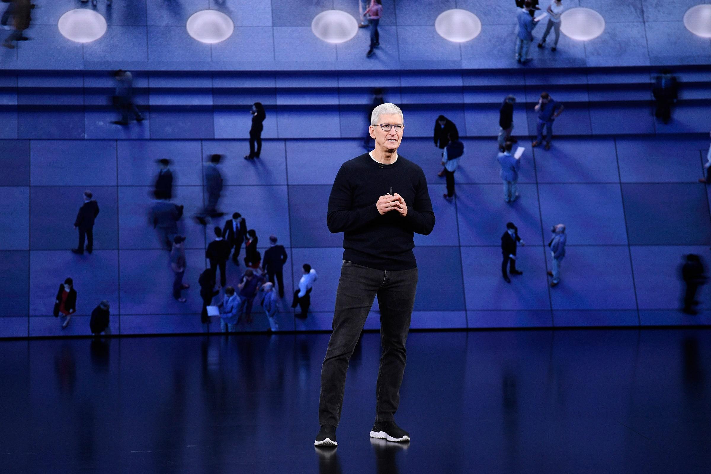 [eMagazine] Tim Cook vượt qua cái bóng của Steve Jobs xây 'thành trì' Apple 2,3 nghìn tỉ USD như thế nào? - Ảnh 5.