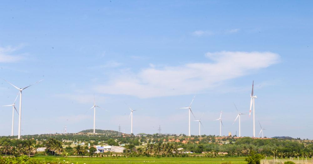 Quảng Bình cho thuê hơn 6 ha đất làm trang trại điện gió 3.200 tỷ đồng - Ảnh 1.
