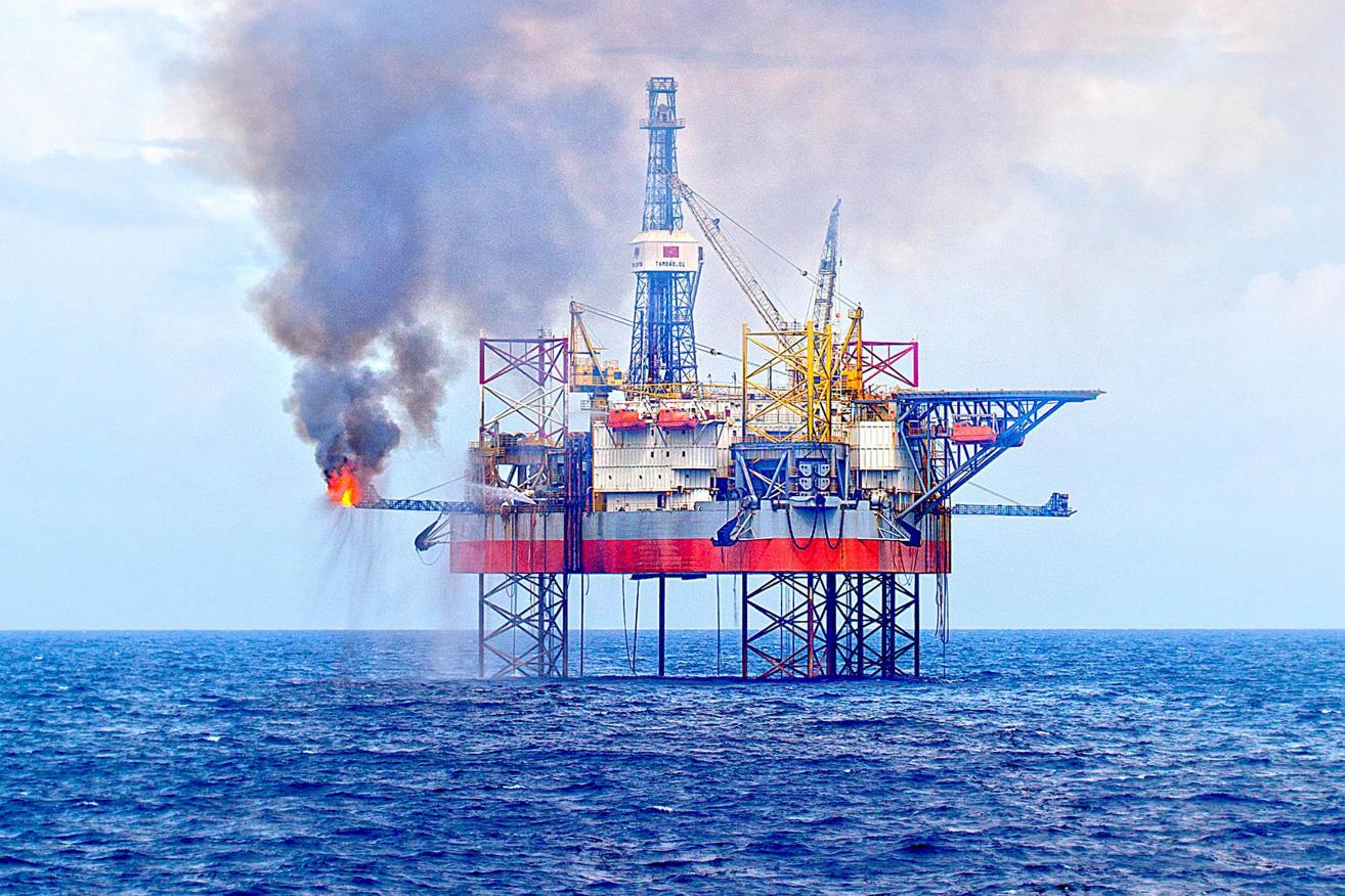Năm 2020 đầy sóng gió của doanh nghiệp dầu khí, cửa sáng có rộng mở năm nay khi giá dầu bứt phá?