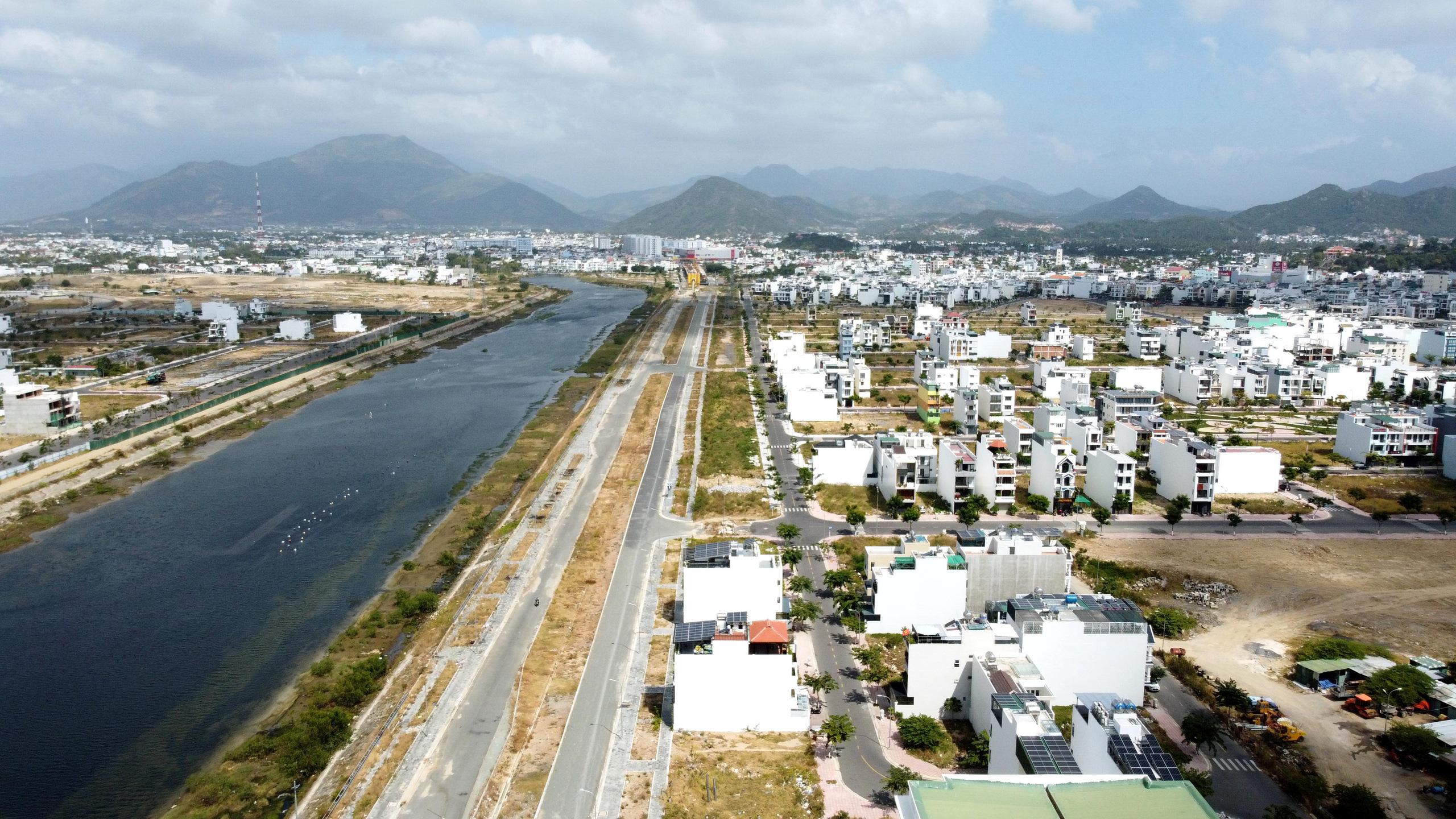 Nha Trang: Đưa vào khai thác đường Vành đai 2 nhiều dự án BĐS hưởng lợi - Ảnh 10.