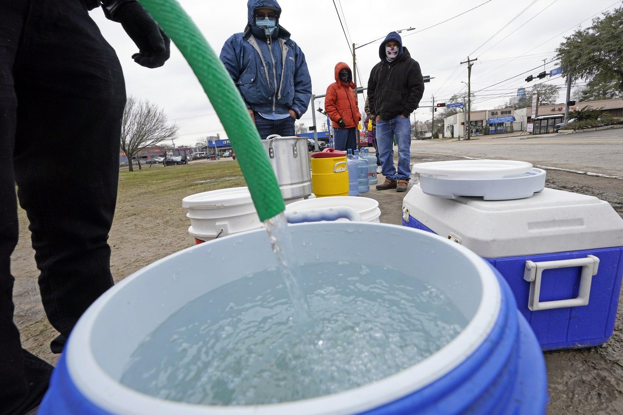 [PhotoStory] Những hình ảnh có một không hai về mùa đông khắc nghiệt trên đất Mỹ - Ảnh 21.