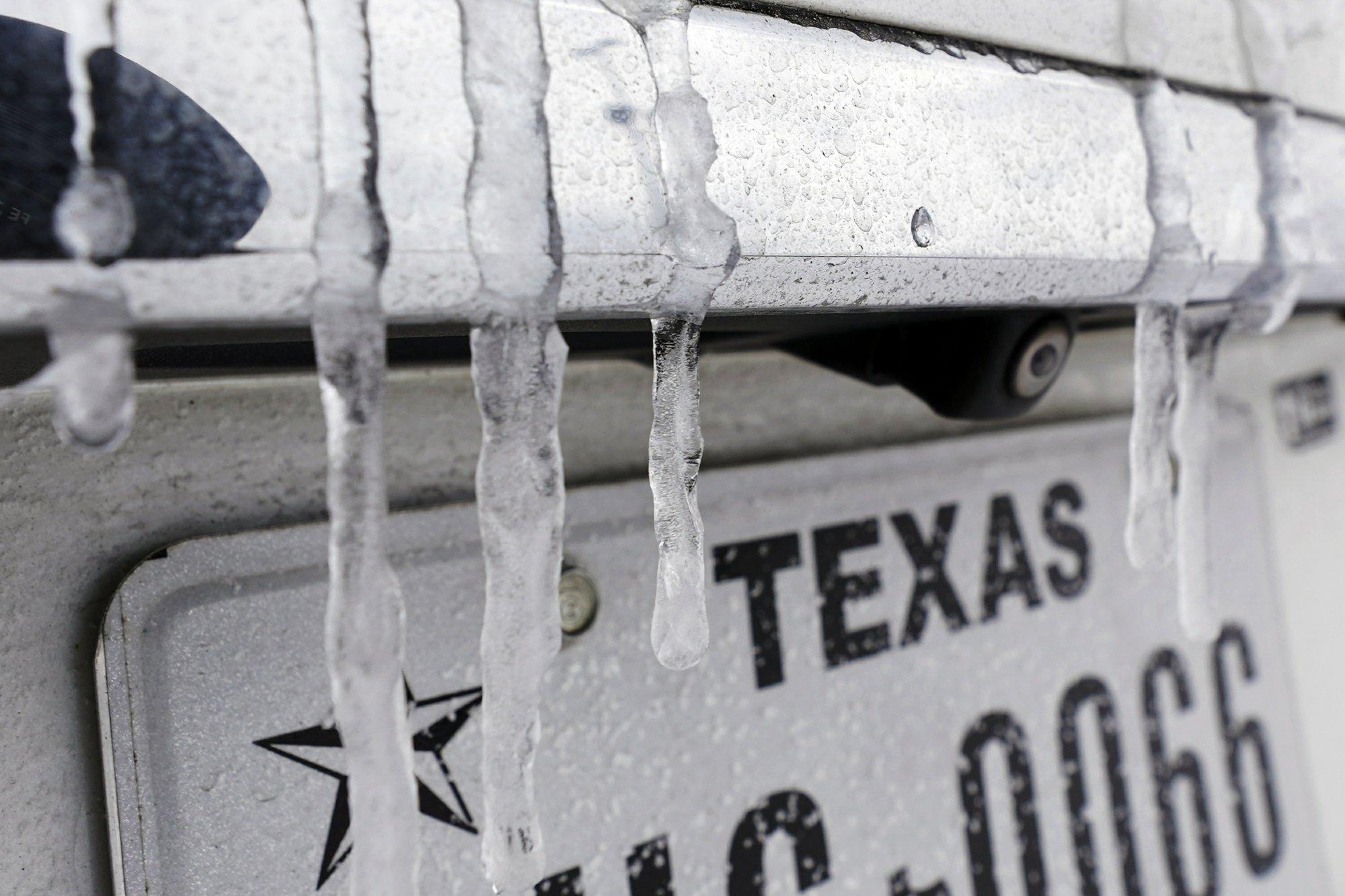 [PhotoStory] Những hình ảnh có một không hai về mùa đông khắc nghiệt trên đất Mỹ - Ảnh 24.