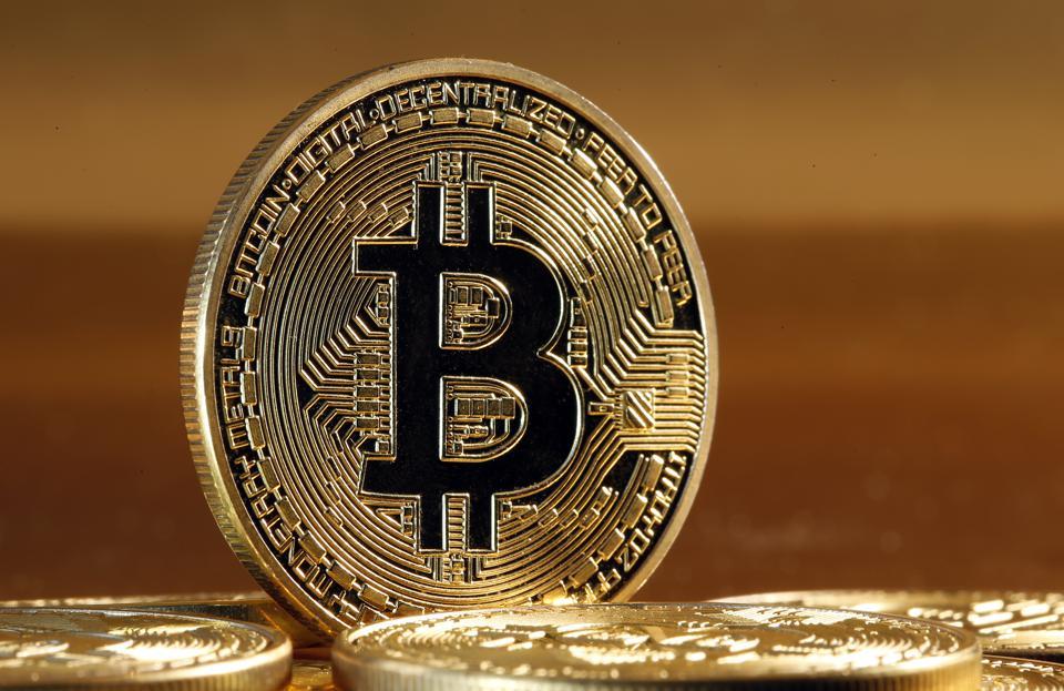 Giá Bitcoin tăng gần 100%, được dự đoán sẽ tiếp tục tăng - Ảnh 1.