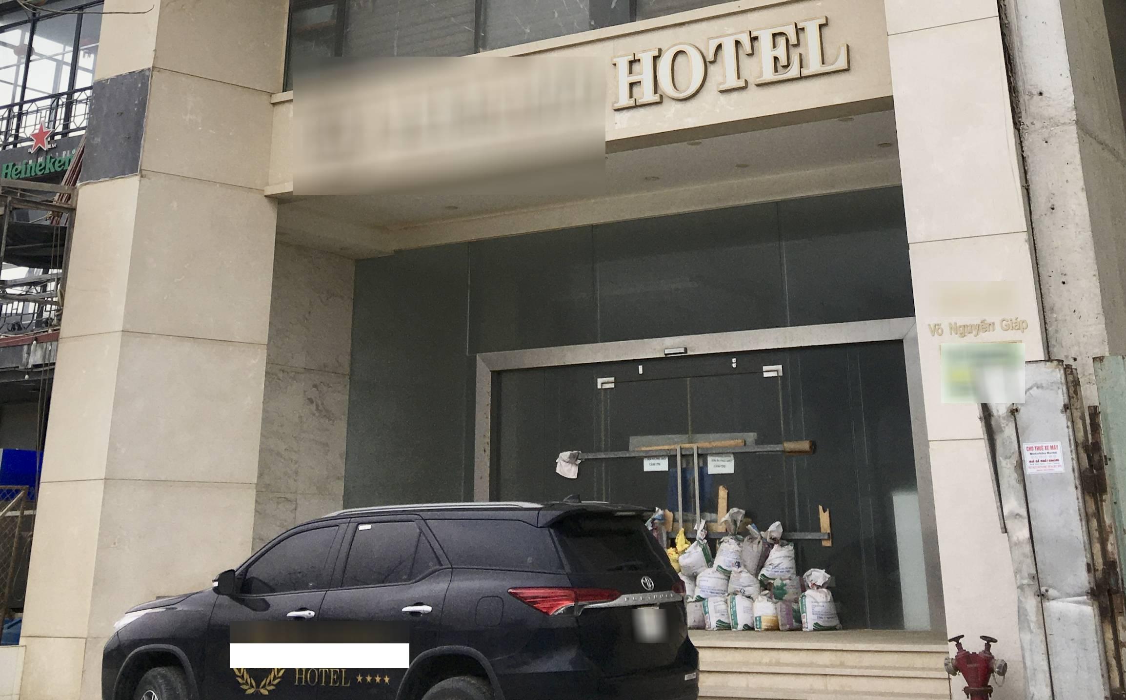 Bước sang 2021, nhiều khách sạn Đà Nẵng vẫn đóng cửa, mặt bằng cho thuê treo gần một năm vẫn bỏ trống - Ảnh 4.