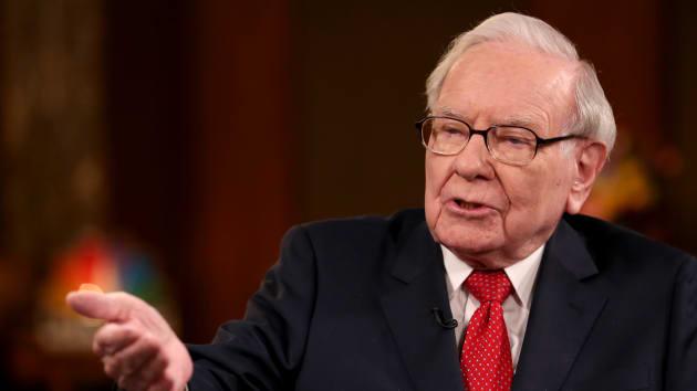 Lợi nhuận Berkshire giảm gần một nửa, Buffett chi kỷ lục 25 tỷ USD mua cổ phiếu quỹ - Ảnh 1.