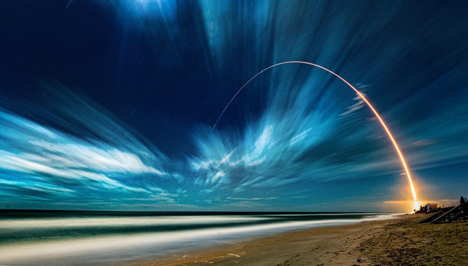 Bitcoin và tiền điện tử thúc đẩy đầu tư vào không gian  - Ảnh 1.