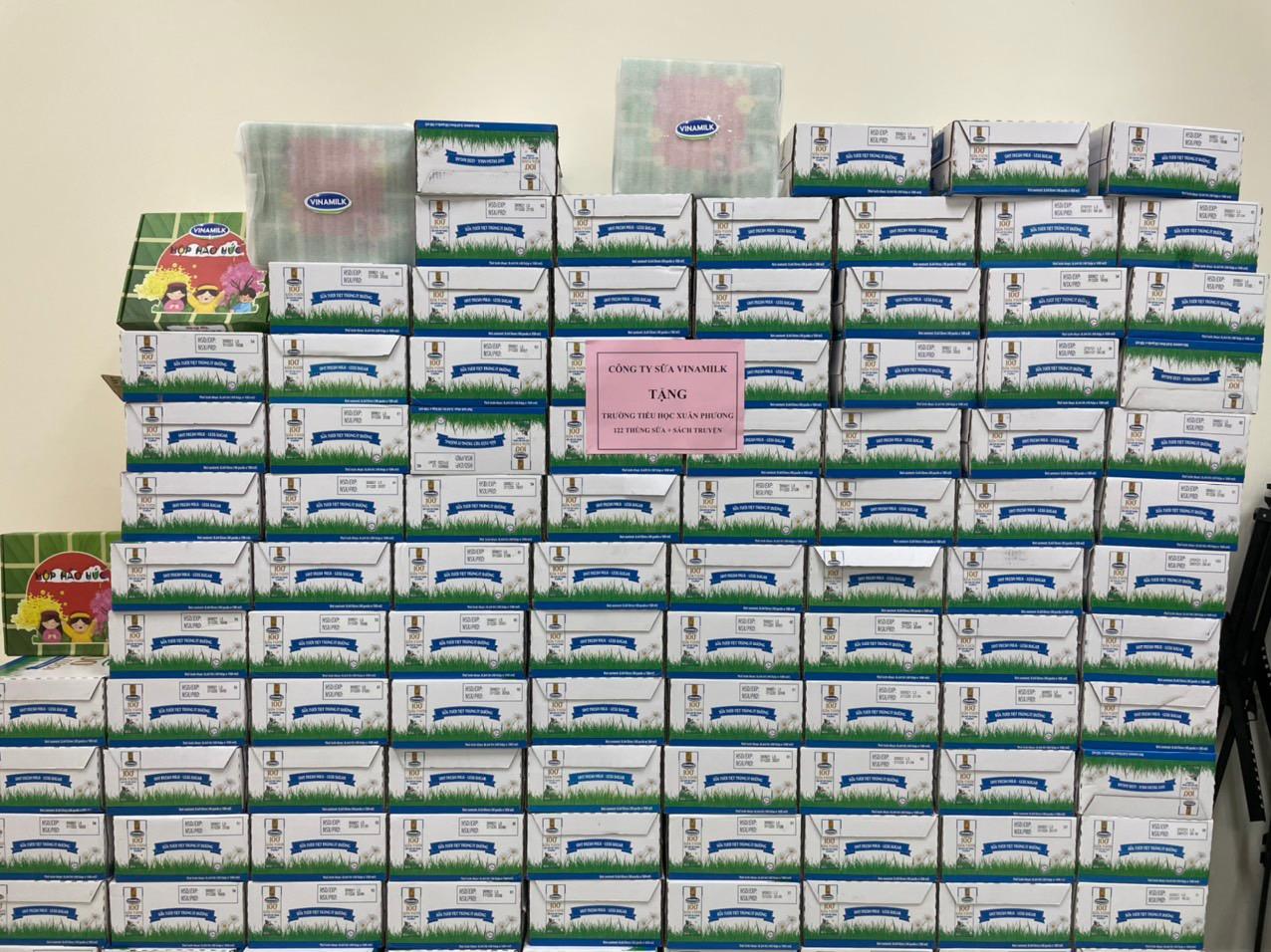 Vinamilk tặng 45.000 hộp sữa cho hơn 800 trẻ em đang cách ly tại Hà Nội, Hải Dương và Hải Phòng - Ảnh 2.