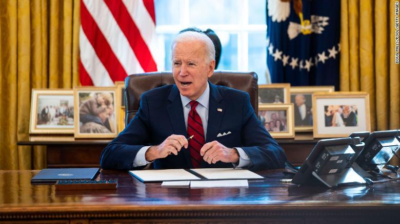 Hệ lụy tiềm tàng từ gói cứu trợ 1.900 tỷ USD của ông Biden - Ảnh 1.