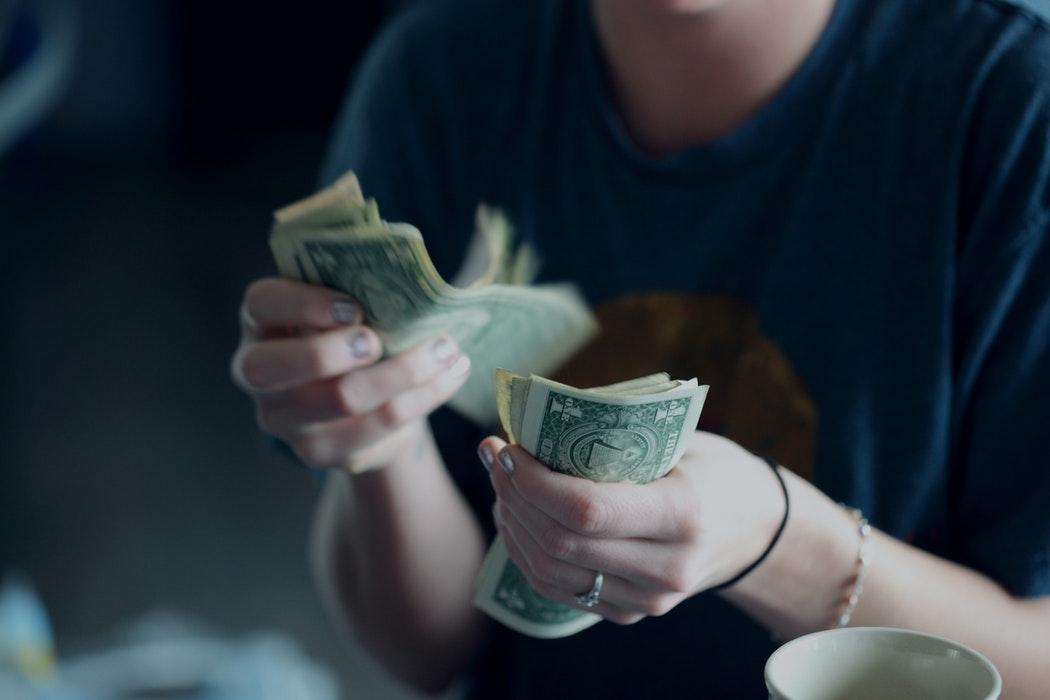 Mẹo quản lí thu nhập thông minh cho freelancer - Ảnh 1.