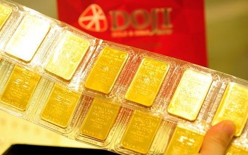 Giá vàng hôm nay 11/3: Vàng SJC tăng theo xu hướng thế giới - Ảnh 1.