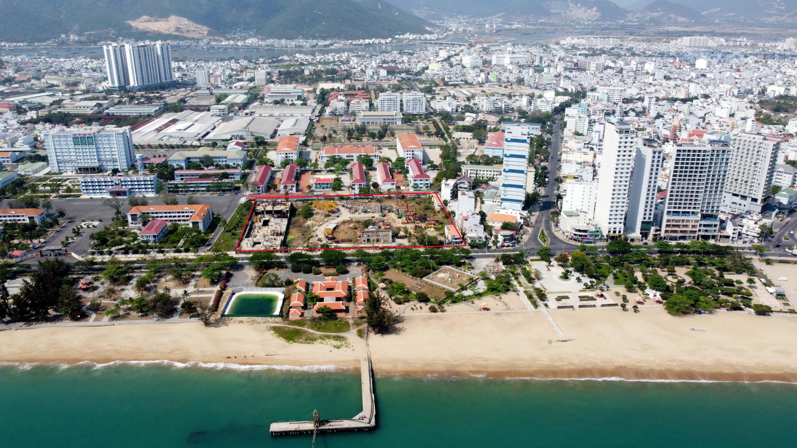 Hàng loạt dự án 'đất vàng' mặt tiền biển Nha Trang trở thành bãi hoang - Ảnh 8.