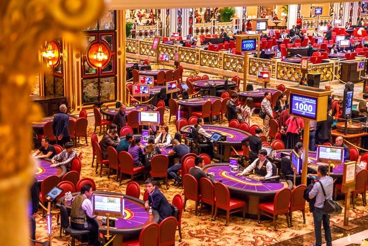 Giới nhà giàu Trung Quốc dùng casino ở Macau để tẩu tán tài sản ra nước ngoài như thế nào? - Ảnh 1.