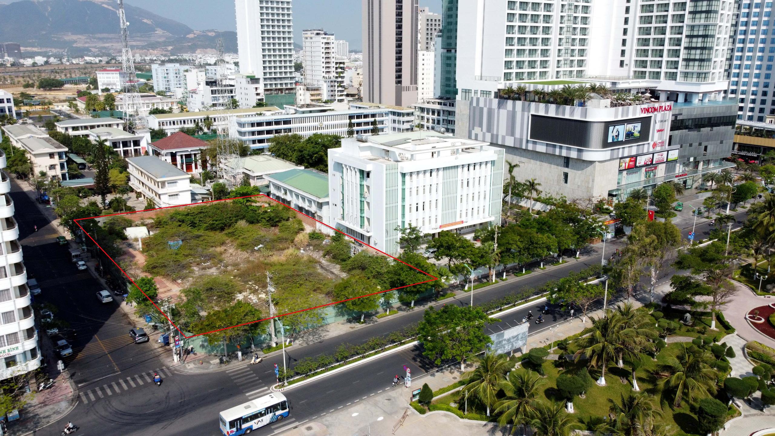 Hàng loạt dự án 'đất vàng' mặt tiền biển Nha Trang trở thành bãi hoang - Ảnh 5.