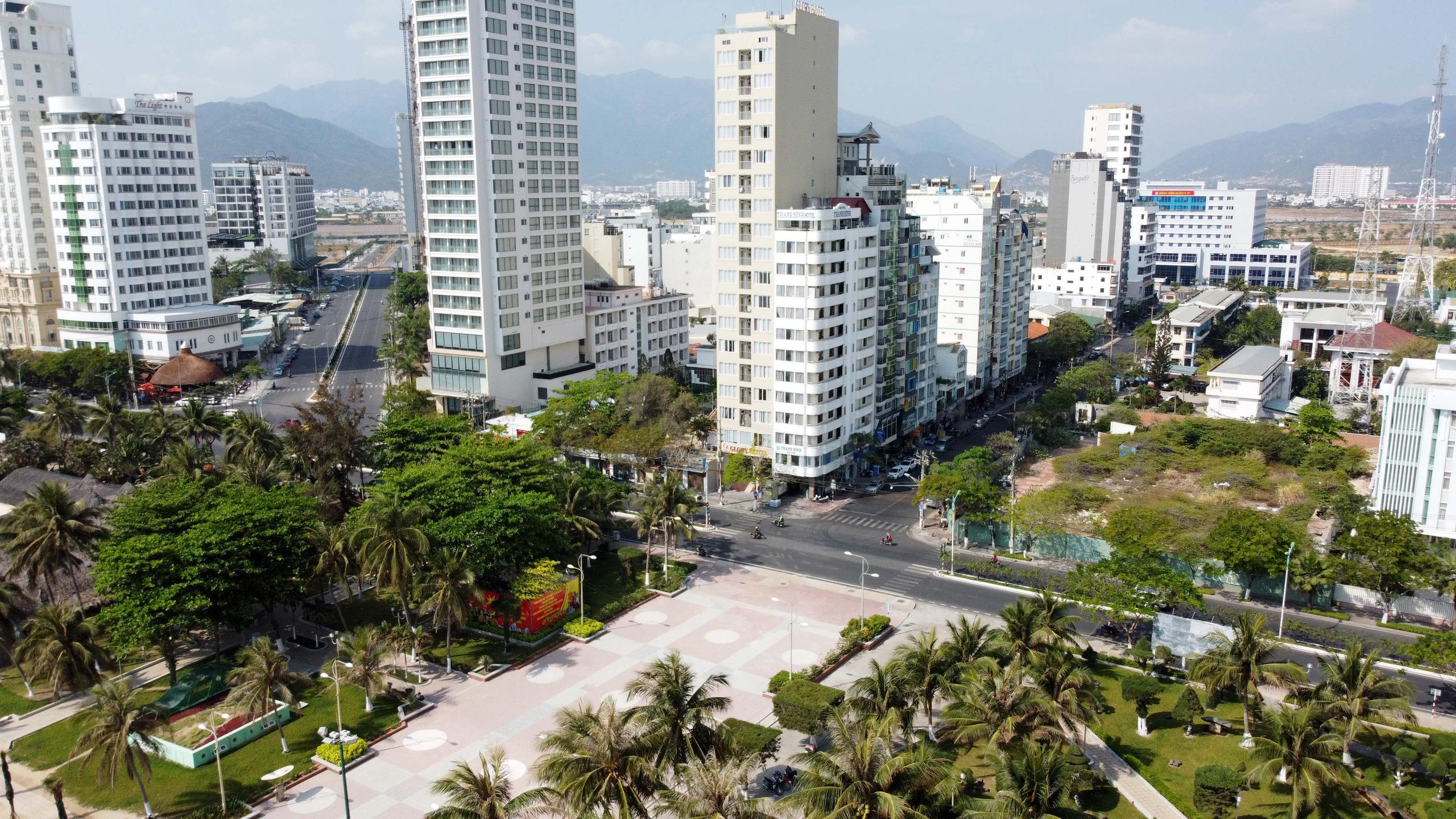 Hàng loạt dự án 'đất vàng' mặt tiền biển Nha Trang trở thành bãi hoang - Ảnh 6.