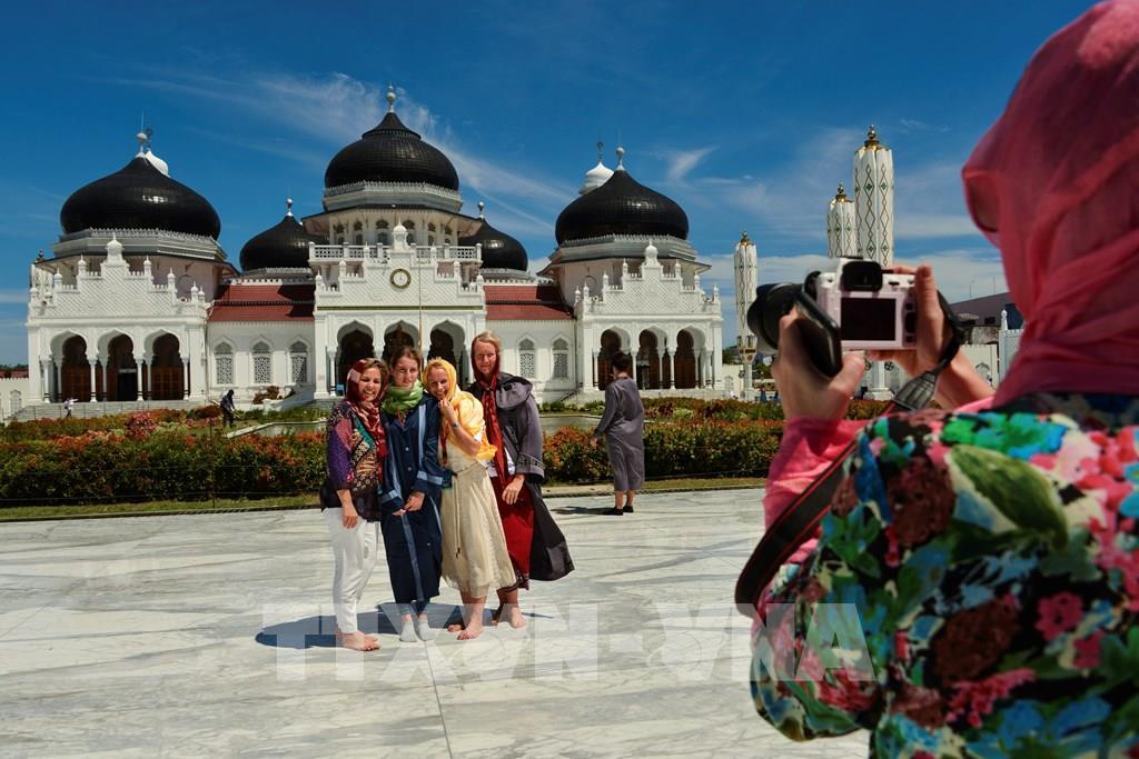 Indonesia lên kế hoạch mở cửa đón khách du lịch quốc tế vào tháng 6/2021 - Ảnh 1.