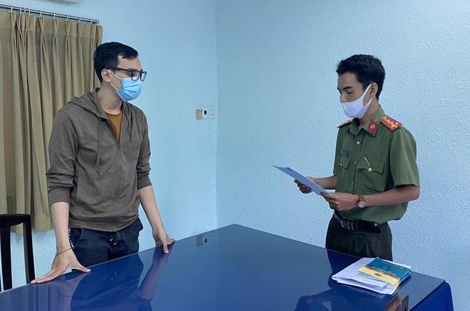 Đề nghị truy tố nam tiếp viên hàng không làm lây lan dịch COVID-19 - Ảnh 1.