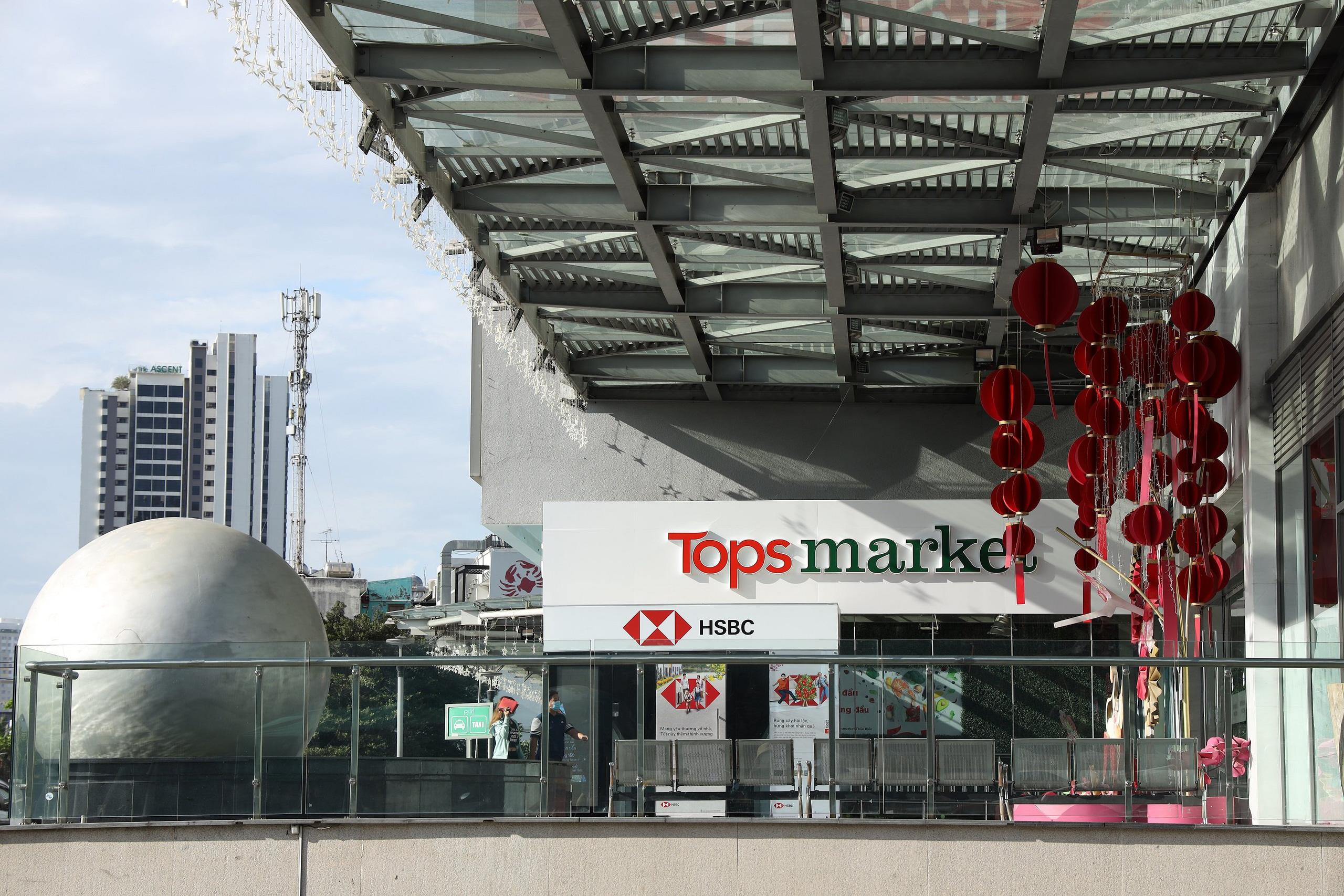 Big C tái định vị thương hiệu: 7 siêu thị chuyển thành Tops Market, 5 đại siêu thị đổi tên thành GO! - Ảnh 1.