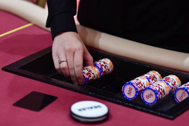 Nhà giàu Trung Quốc dùng sòng bạc Macau để tuồn tài sản ra nước ngoài như thế nào? - Ảnh 2.