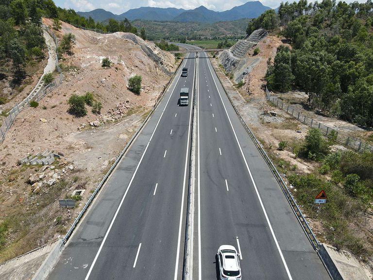 Đầu tư Dự án cao tốc Quảng Ngãi - Hoài Nhơn, tỉnh Bình Định trên 16.000 tỷ đồng - Ảnh 1.