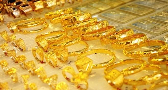 Giá vàng hôm nay 27/3: SJC tăng 100.000 đồng/lượng trong phiên cuối tuần - Ảnh 1.