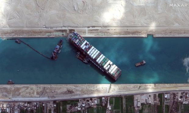 Tàu container lớn 'nhanh như thổi', Suez hay Panama có ngày chứa chẳng vừa - Ảnh 1.