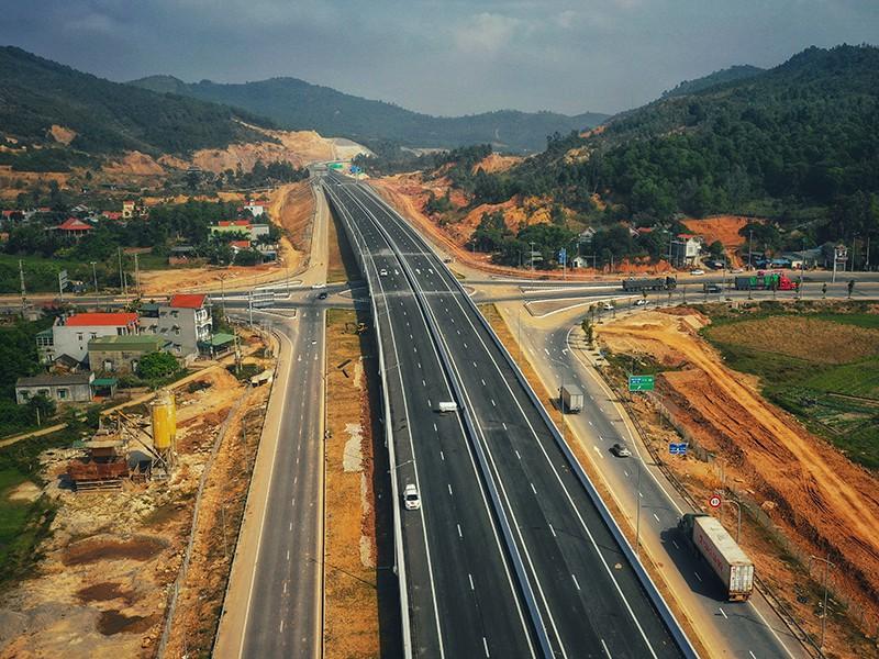 Bộ trưởng thúc tiến độ triển khai 2 dự án thành phần cao tốc Bắc - Nam - Ảnh 1.