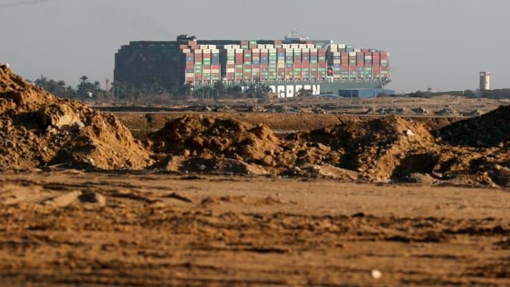 Kênh đào Suez được khai thông nhưng chuỗi cung ứng vẫn nghẽn mạch suốt nhiều tháng - Ảnh 4.