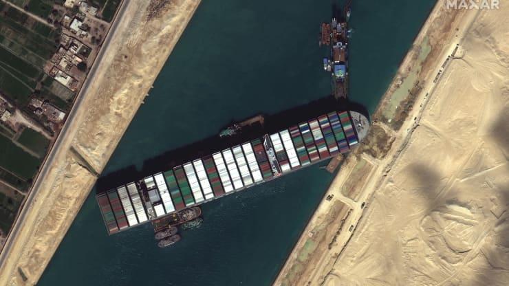 Kênh đào Suez được khai thông nhưng chuỗi cung ứng vẫn nghẽn mạch suốt nhiều tháng - Ảnh 2.