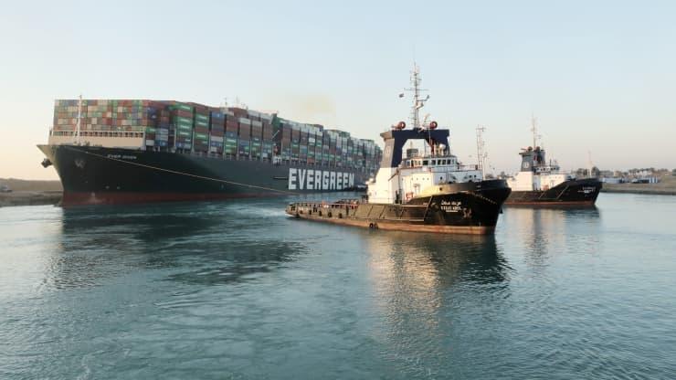 Kênh đào Suez được khai thông nhưng chuỗi cung ứng vẫn nghẽn mạch suốt nhiều tháng - Ảnh 1.