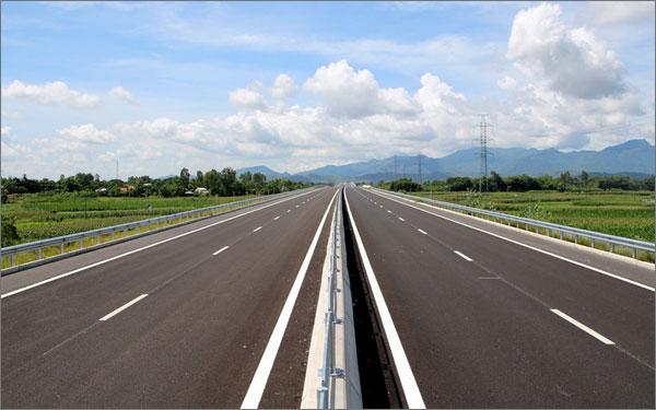 Quảng Nam nghiên cứu đầu tư loạt công trình cầu, đường từ năm 2021 - Ảnh 1.