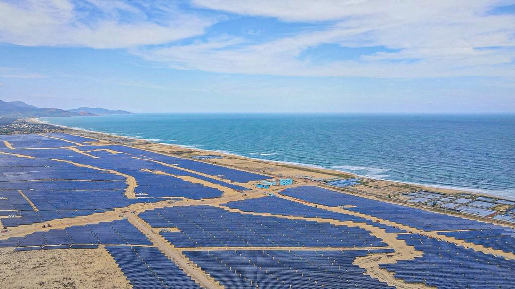 Đóng điện toàn dự án điện mặt trời 7.000 tỷ đồng lớn nhất Bình Định vào giữa năm 2021 - Ảnh 1.