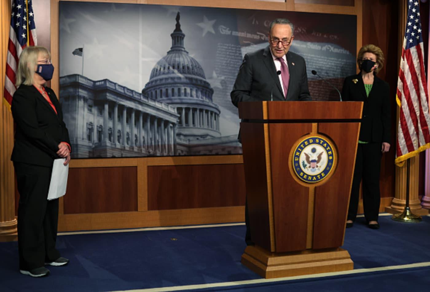 Đạo luật kích thích 1.900 tỷ USD vừa ráo mực, ông Biden tung tiếp đề xuất hạ tầng 2.000 tỷ USD - Ảnh 2.