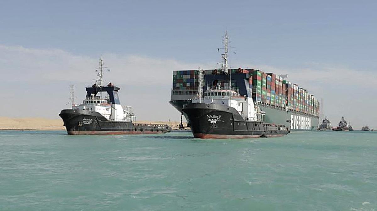 Ai Cập muốn đòi bồi thường 1 tỷ USD cho sự cố Suez tắc nghẽn - Ảnh 1.