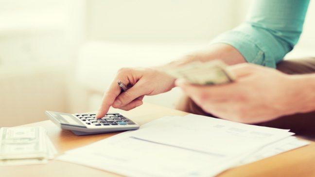Học người Mỹ cách lập ngân sách cho các chi phí đột xuất - Ảnh 1.