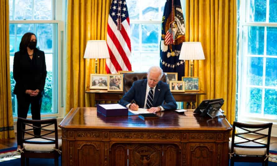 Thâm hụt thương mại của Mỹ với Trung Quốc có thể phình to vì gói cứu trợ 1.900 tỷ USD của ông Biden - Ảnh 1.