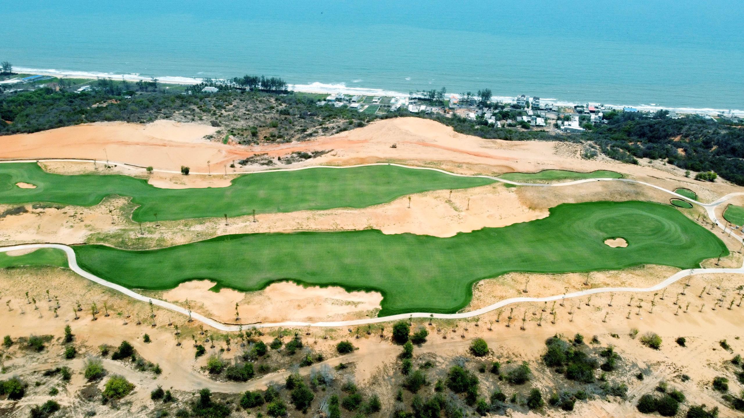 Cận cảnh sân golf tiêu chuẩn PGA tại Novaworld Phan Thiet trước ngày khai trương - Ảnh 4.