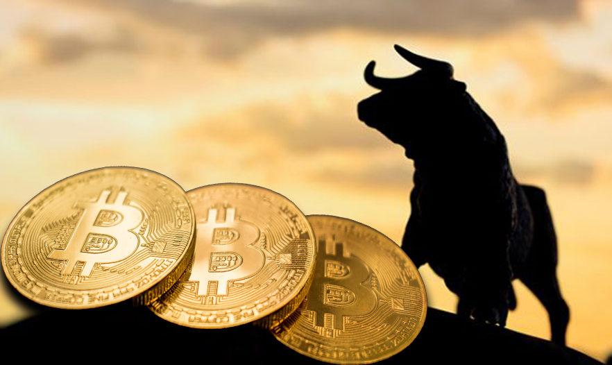 Bitcoin chạm đỉnh mới, vượt ngưỡng 62.000 USD  - Ảnh 1.