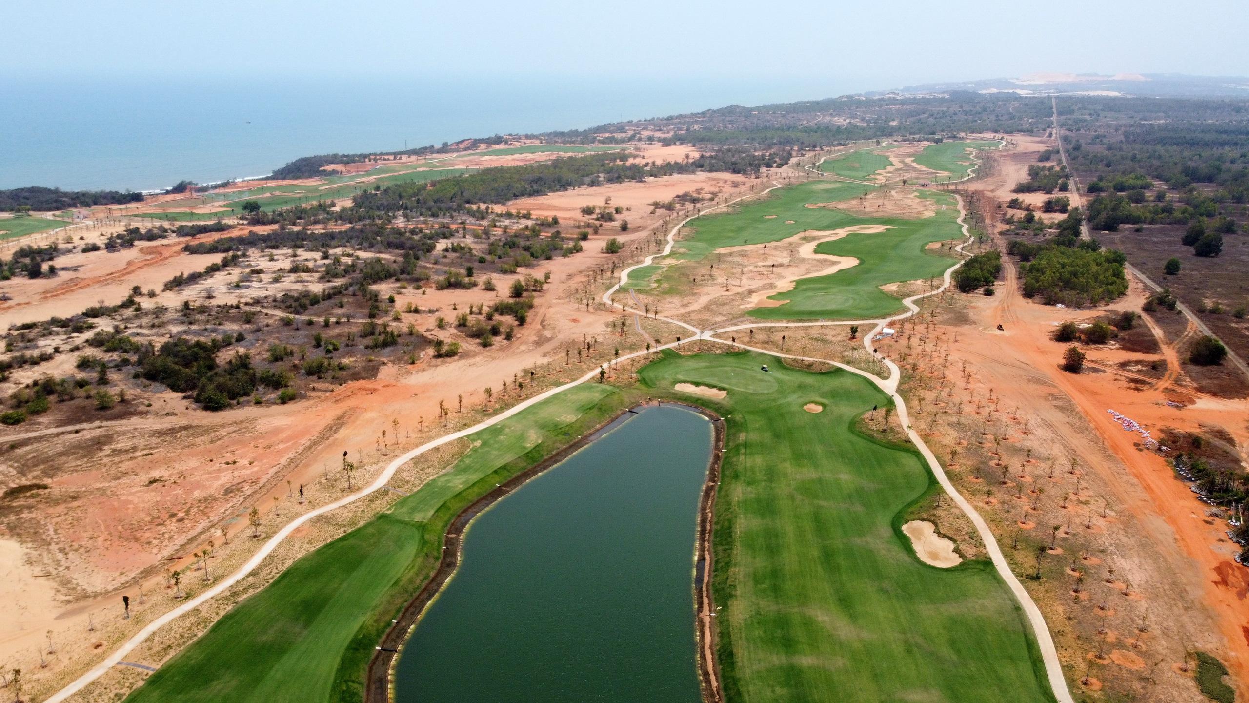 Cận cảnh sân golf tiêu chuẩn PGA tại NovaWorld Phan Thiet trước ngày khai trương - Ảnh 3.