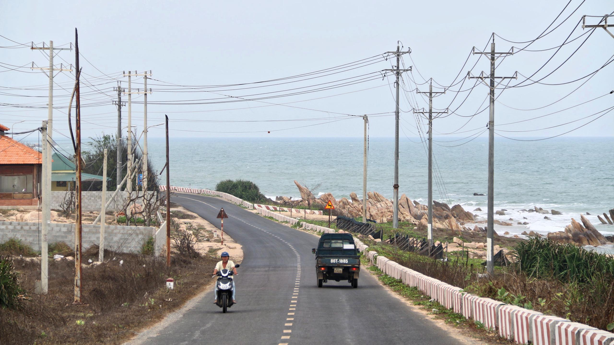 Cận cảnh tuyến đường ven biển ĐT.719 đoạn Phan Thiết - Kê Gà - Ảnh 3.