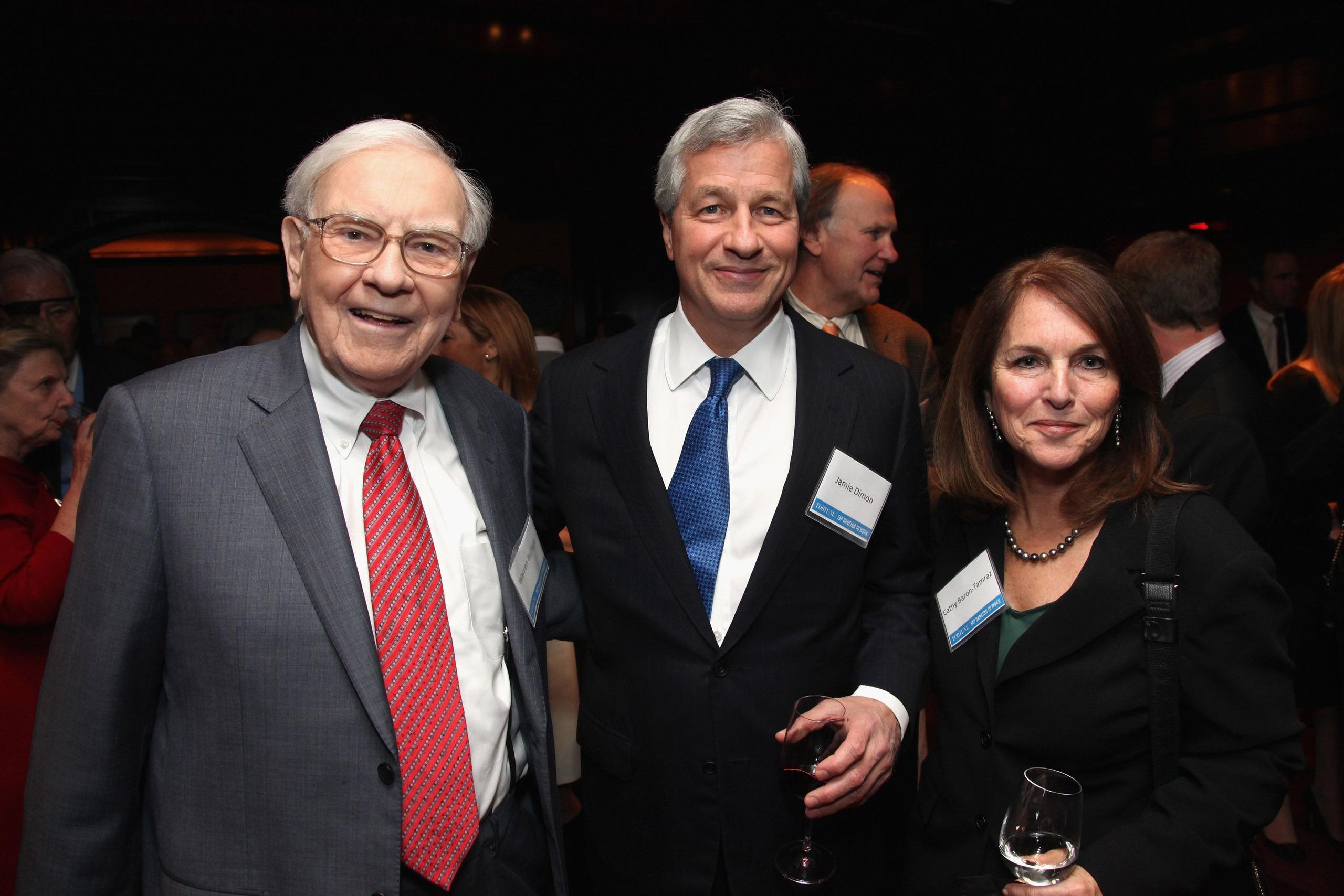 Lá thư gửi cổ đông tuyệt hay của một banker: Warren Buffett và Bill Gates truyền tay nhau xem rồi khen tấm tắc - Ảnh 1.