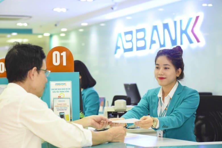 Lãi suất ngân hàng ABBank tháng 4/2021 cao nhất là 6,4%/năm - Ảnh 1.